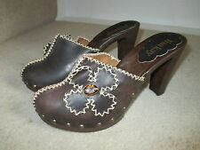 LISA KAY NEW BROWN  CLOGGS WITH DIAMOND DETAIL SIZE 6