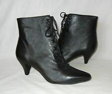 Urban Outfitters Silence & Noise Women's Fem Leather Ankle Boot Retail $100 sz 6