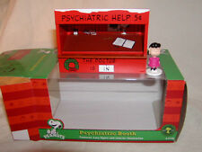 Lionel 6-37169 Peanuts Christmas Psychiatric Booth O-27 MIB New 2013 with Lucy