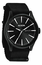 Reloj Nixon Sentry Negro Blanco Chronicle 42mm Caja De Acero Inoxidable Negro A105005