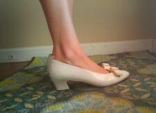 Salvatore Ferragamo VARA LILLAZ Bone White Pumps With Bow Flats Sz 6.5 B Medium