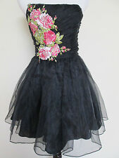 NWOT Betsey Johnson Black Gramercy Embroidered Rose Runway Evening Dress Sz 2