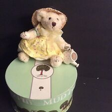 Mud Pie Retired and Rare Flower Shoppe Bear In Gift Box Collectable NEW IN BOX