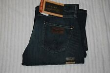 WRANGLER RETRO BLUE  JEANS RELAXED BOOT CUT NEW SIZE 31X38   $57 ORGINALLY