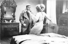 B8586 ken clark daniela bianchi in lady chaplin movie star