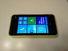Unlocked Nokia Lumia 620 8GB GSM Windows Smartphone Wi-Fi Bluetooth Camera Flash
