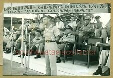 Vietnam War Photo US MAJOR GENERAL Timmes?  & VNAF Colonel Huỳnh Hữu Hiền behind