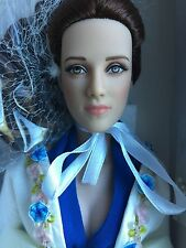 "Tonner Tyler 15"" 2009 Twilight Bella Swan Turn Me Prom Doll LE 1000 NRFB"