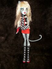 Monster High  Werecat Twin Sister Meowlody cat doll white hair w/ outfit kitty