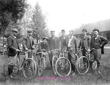 GENTLEMEN BICYCLE GATHERING 8.5X11 PHOTO EARLY 1900s MANY BIKES TURN OF CENTURY