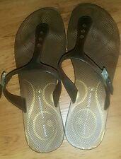authentic ipanema slipper/sndl fits size7 or size 7.5..still in good condition.