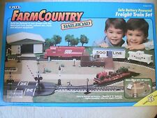Ertl Farm Country Toy Battery Train Set w/Rail Cars Tractors Shed Dock MIP 1/64!