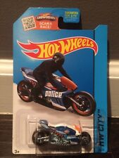 Hot Wheels 2015 HW City - Canyon Carver - White - New!