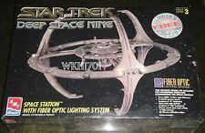 Deep Space Nine FIBER OPTIC STATION Model Kit LTD ED MISB Star Trek DS9 + Bonus