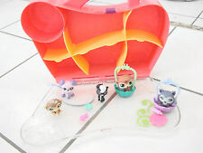 Littlest pet shop lot of 5 with travel case and some accessories, dogs, skunk+