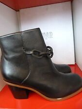 NEW MM6 BANK BLACK LEATHER ANKLE BOOTS.UK 7  EU 40 ..MAISON MARTIN MARGIELA