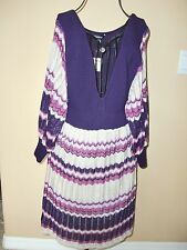 """NWT $119.00""""BEBE""""ZIG-ZAG DUO Colors Puff  Sleeves Open V-Neck Dress size S CUTE!"""