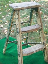VINTAGE CHIPPY GREEN WOOD 2 STEP STOOL FOLDING LADDER SHABBY COUNTRY PRIMITIVE