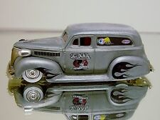 JADA VON DUTCH TRIBUTE '39 CHEVY SEDAN RAT ROD LIMITED EDITION RUBBER TIRES