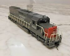 Athearn HO Southern Pacific SD40T- 2 Diesel Locomotive Dual Flywheel Tested