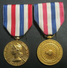 Médailles  d'Honneur  des  Chemins de Fer 1951 et 1958 - Bronze