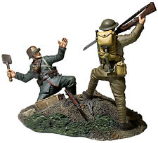 "W. Britain  ""Overrun"" 1917-18 U.S. Infantryman Bayoneting German Infantryman WW1"