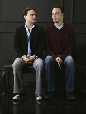Jim Parsons and Johnny Galecki UNSIGNED photo - E1101 - The Big Bang Theory