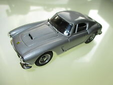 Ferrari 250 GT SWB Coupe in silber argentin silver metallic, Bang in 1:43!