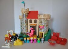 Vintage Fisher Price Little People Castle 993 100 % complete