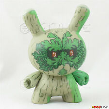 Kidrobot Dunny Ye Olde English vinyl figure tree by Doktor A  3-inch card