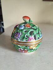 HEREND HANDPAINTED PORCELAIN OPEN WORK STRAWBERRY TOP BOX BROKEN STEM