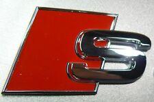 originale AUDI S Scritta Logo Emblema NUOVO A1 A3 A4 A5 A6 A8 TT Q7 Q5 Q3