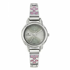 TITAN KARISHMA ROUND SHAPE SILVER DESIGN ANALOG WATCH FOR WOMEN 2401SM03