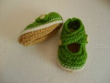 Hand knitted baby booties - Green on Cream - 0-3 months BNWT