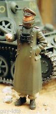 Soldat Allemand en manteau d'apparat, WW2 - Figurine résine WOLF 1/35 Réf. WAW36
