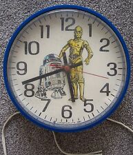 Vintage Star Wars C-3PO / R2-D2 electric clock produced by Welby in 1981