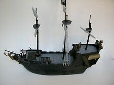 ZIZZLE Disney Pirates of the Caribbean At World's End Ultimate Black Pearl Ship