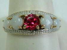 PRETTY 9CT YELLOW GOLD 5 STONE RED GEM AND OPALS RING - LARGE SIZE U