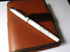 WHITE AND SILVER HERO 9083 FOUNTAIN PEN