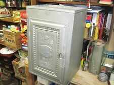 VINTAGE ANTIQUE METAL BREAD AND CAKE CABINET TIN ORIGINAL EARLY 1900'S PIE