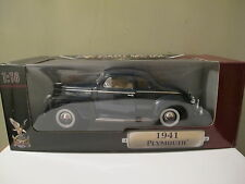 1:18 Road Signature, Plymouth Coupe Special Deluxe in blau von 1941, NEU & OVP
