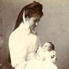 1890s MIDWIFE NURSE WITH BABY CDV CARTE DE VISITE PHOTO VICTORIAN MAID BOURNE