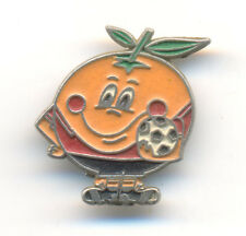 FIFA FOOTBALL SOCCER WORLD CUP SPAIN 1982 - MASCOT NARANJITO - clasp pin badge