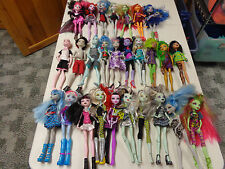 MONSTER HIGH BARBIE DOLL MEGA LOT  27 DOLLS W OUTFITS  24 GIRLS  3  BOY DOLL SET