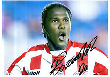 HUGO RODALLEGA IN NECAXA STRIP HANDSIGNED COLOUR PHOTOGRAPH 7 x 5