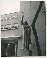 PARIS c. 1937 - Exposition Pavillon de la Hongrie Le Saint Protecteur - DIV 8184