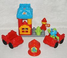 Fisher Price Pop Onz Pop 'n Build Rescue Station MORE