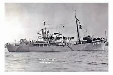 rp17146 - Royal Navy Trawler - HMS Grilse FY263 , built 1943 - photo 6x4