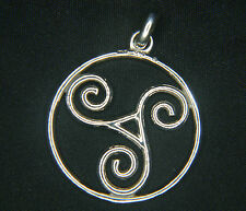 Sterling Silver Triquetra Pendant, double sided with a single bale, 3cm diameter