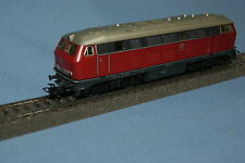 Marklin 3075 DB Diesel Locomotive Br 216 Red-Grey